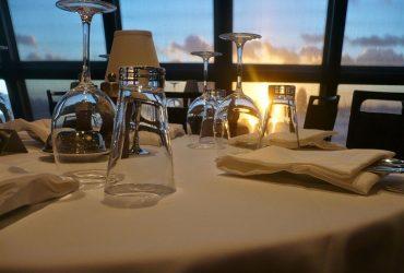 Reader Offers dineren aan boord van een cruiseschip