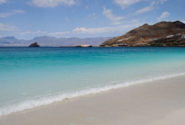Dagboek van een wereldcruiser - de prachtige blauwe zee van Mindelo