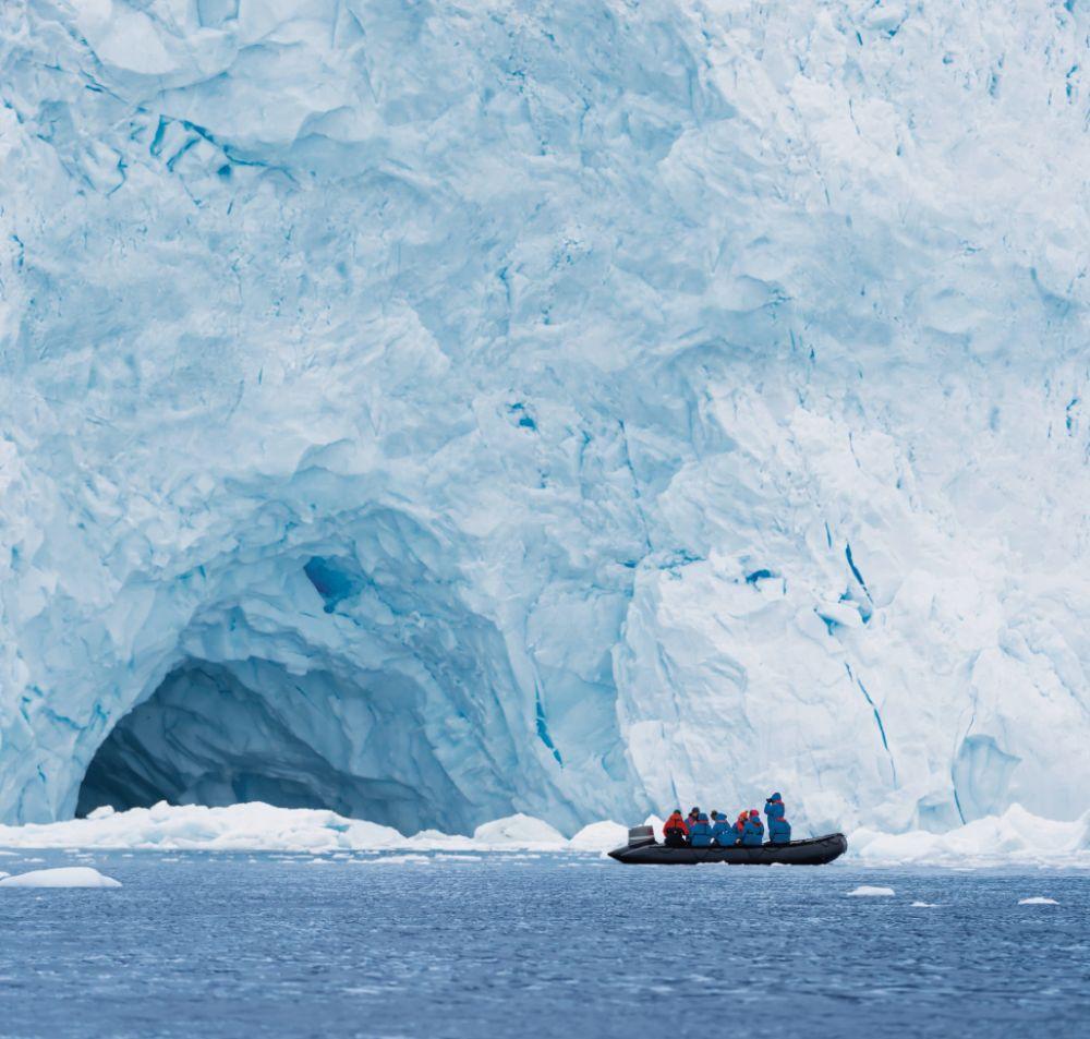 Op onderzoek uit met de Zodiac in Antarctica